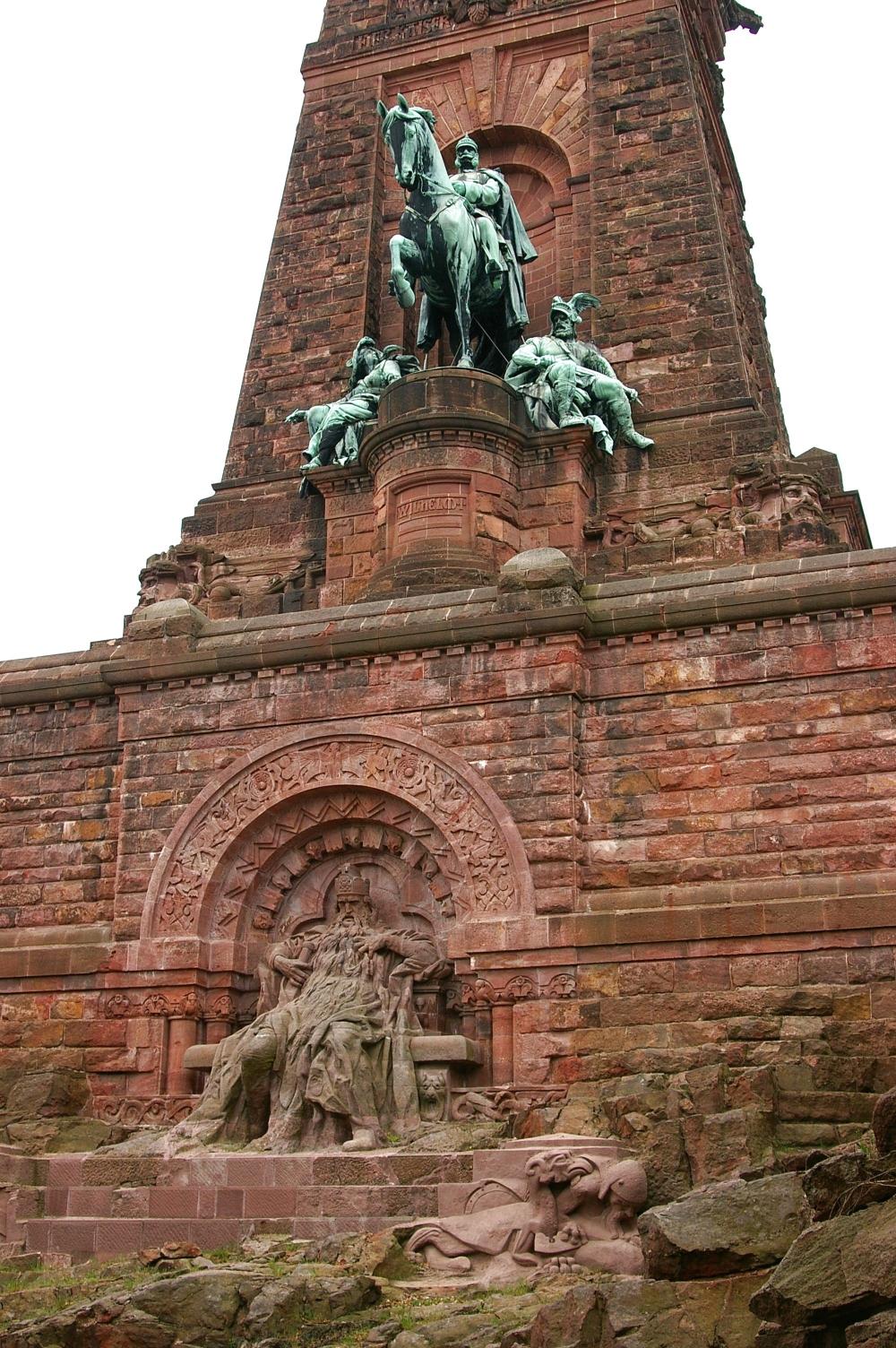 Kyffhäuser_-_Barbarossa_und_Wilhelm_I_Reiki.JPG